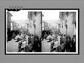 view Sunday market scene in picturesque La Paz, Bolivia. [Active no. 11535 : stereo interpositive,] digital asset: Sunday market scene in picturesque La Paz, Bolivia. [Active no. 11535 : stereo interpositive,] 1906.