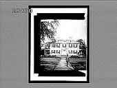 view Stately old Craigie House, Cambridge, Mass.--Washington's Headquarters; later home of Longfellow. [Active no. 5261 : non-stereo interpositive.] digital asset: Stately old Craigie House, Cambridge, Mass.--Washington's Headquarters; later home of Longfellow. [Active no. 5261 : non-stereo interpositive.]
