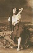 view Tarjeta original de una demoiselle mexicana [ink on verso] : [real photographic postcard] digital asset: Tarjeta original de una demoiselle mexicana [ink on verso] : [real photographic postcard, probably ca. 1910-1920].