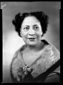view Mrs. R.W. Vanlentine [ca. 1952] [cellulose acetate photonegative] digital asset: Mrs. R.W. Vanlentine [ca. 1952] [cellulose acetate photonegative].