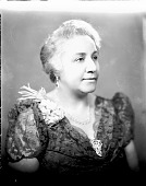 view Mrs. Charlotte Wallace Murray [acetate film photonegative] digital asset: Mrs. Charlotte Wallace Murray [acetate film photonegative, ca. 1940?]