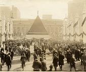 view [Pyramid of German helmets near Grand Central Terminal : black-and-white photoprint] digital asset: [Pyramid of German helmets near Grand Central Terminal : black-and-white photoprint, ca. 1918.]