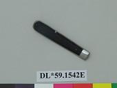 view handle, knife; knife, part of digital asset number 1