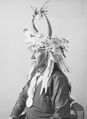 view Portrait (Profile) of Lisha-Lalahikots (Brave Chief) with Peace Medal and Headdress MAR 1900 digital asset number 1