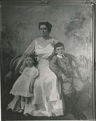 view Mina Louise Cohr Slaymaker and Family digital asset number 1