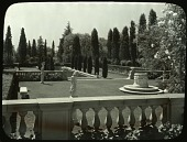 view Mr. & Mrs. William Kennon Jewett's Garden (Arden Villa) in Pasadena, California: a balustrade overlooks a garden and pool. digital asset: Mr. & Mrs. William Kennon Jewett's Garden (Arden Villa) in Pasadena, California: a balustrade overlooks a garden and pool., [between 1914 and 1949?]: [between 1914 and 1949?]