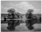 view [Miscellaneous Sites in Oxfordshire, England]: the River Thames near Whitchurch-on-Thames, with Hardwick House visible across the river. digital asset: [Miscellaneous Sites in Oxfordshire, England] [glass negative]: the River Thames near Whitchurch-on-Thames, with Hardwick House visible across the river.
