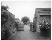 view [Miscellaneous Sites in Derbyshire, England]: an unidentified location, possibly in Rowsley. digital asset: [Miscellaneous Sites in Derbyshire, England] [glass negative]: an unidentified location, possibly in Rowsley.