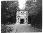 view [Wilton House and Vicinity]: the Holbein Porch, once part of the mansion, now a garden house. digital asset: [Wilton House and Vicinity] [glass negative]: the Holbein Porch, once part of the mansion, now a garden house.