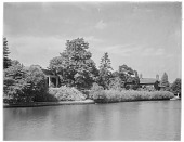view [Miscellaneous Sites in Stratford-upon-Avon, Warwickshire, England]: an unidentified location, probably along the River Avon north of Holy Trinity Church. digital asset: [Miscellaneous Sites in Stratford-upon-Avon, Warwickshire, England] [glass negative]: an unidentified location, probably along the River Avon north of Holy Trinity Church.