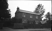 view [Unidentified Sites in England]: a house in an unidentified location. digital asset: [Unidentified Sites in England] [negative]: a house in an unidentified location.