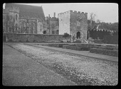 view [Penshurst Place]: view across the sunken garden to the manor house. digital asset: [Penshurst Place] [lantern slide]: view across the sunken garden to the manor house.