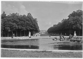 view [Versailles]: looking toward the palace from the Apollo fountain. digital asset: [Versailles] [glass negative]: looking toward the palace from the Apollo fountain.