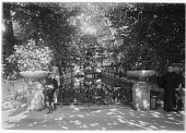 view [Luxembourg Gardens]: the Medici Fountain. digital asset: [Luxembourg Gardens] [glass negative]: the Medici Fountain.