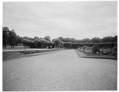 view [Fontainebleau]: the château's formal gardens and adjacent pleached tree allées. digital asset: [Fontainebleau] [glass negative]: the château's formal gardens and adjacent pleached tree allées.