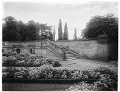 view [Miscellaneous Sites in France, Series 1]: stairs and flower beds in an unidentified location. digital asset: [Miscellaneous Sites in France, Series 1] [glass negative]: stairs and flower beds in an unidentified location.