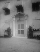 view [Brooks Garden]: main entrance to house. digital asset: [Brooks Garden] [glass negative]: main entrance to house.