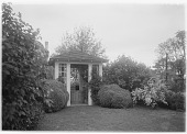 view [Marengo]: the well house. digital asset: [Marengo] [glass negative]: the well house.