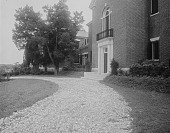 view [Holly Beach Farm]: circular driveway and front entrance to the house. digital asset: [Holly Beach Farm] [glass negative]: circular driveway and front entrance to the house.