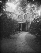 view [Bordley-Randall House]: part of the house, facing what is now Randall Court. digital asset: [Bordley-Randall House] [glass negative]; part of the house, facing what is now Randall Court.