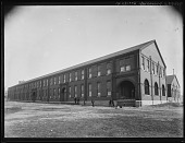 view [Miscellaneous Images in Maryland]: an unidentified brick building, probably a factory in Baltimore. digital asset: [Miscellaneous Images in Maryland] [glass negative]: an unidentified brick building, probably a factory in Baltimore.