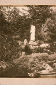 view [Golestan]: Mary Pickford, as Madam Butterfly, with memorial statue of Japanese girl. digital asset: [Golestan]: Mary Pickford, as Madam Butterfly, with memorial statue of Japanese girl.: 1915.
