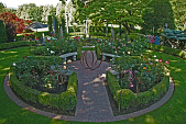 view [Teasdale Garden]: the rose knot garden fills the space created by clearing away older plantings. digital asset: [Teasdale Garden]: the rose knot garden fills the space created by clearing away older plantings.: 2010 Jun.