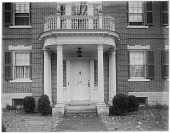 view [Steedman Garden]: front entrance to property known as the Charles Steedman house. digital asset: [Steedman Garden] [glass negative]: front entrance to property known as the Charles Steedman house.