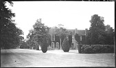 view [Unidentified Sites]: an unidentified country manor house, possibly in England. digital asset: [Unidentified Sites] [negative]: an unidentified country manor house, possibly in England.