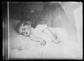 view [Miscellaneous Images in Virginia]: photograph of an artwork depicting a child, either sleeping or deceased. The location of the source image is unidentified. digital asset: [Miscellaneous Images in Virginia] [glass negative]: photograph of an artwork depicting a child, either sleeping or deceased. The location of the source image is unidentified.