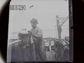 view [Miscellaneous Images in Virginia]: an unidentified laborer. digital asset: [Miscellaneous Images in Virginia] [nitrate negative]: an unidentified laborer.