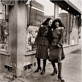 view Janet Maxey and Carolyn Smith, from the series Siblings digital asset number 1