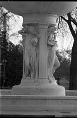 view DuPont Circle Fountain [sculpture] / (photographed by Bernie Cleff) digital asset number 1