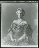 view Mrs. John D. Rockefeller Jr. [painting] / (photographed by Peter A. Juley & Son) digital asset number 1