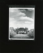 view Residence of Mrs. H. T. Lindeberg (Locust Valley, Long Island), Front Entrance [photograph] / (photographed by Peter A. Juley & Son) digital asset number 1