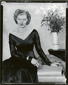 view The Honorable Mrs. Brinsley Plunket (Aileen Guiness) [painting] / (photographed by Peter A. Juley & Son) digital asset number 1