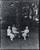 view Cecil Clark Davis with two unidentified women [photograph] / (photographed by Peter A. Juley & Son) digital asset number 1