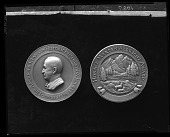 view Horace Marden Albright Award (obverse and reverse) [sculpture] / (photographed by Peter A. Juley & Son) digital asset number 1