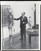 view Robert Beverly Hale teaching at the Art Students League [photograph] / (photographed by Peter A. Juley & Son) digital asset number 1
