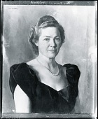 view Mrs. Vincent Mulford [painting] / (photographed by Peter A. Juley & Son) digital asset number 1