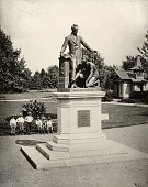view Emancipation Monument [sculpture] / (photographed by Levin C. Handy) digital asset number 1