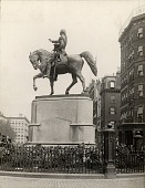 view George Washington [sculpture] / (photographed by Underwood & Underwood) digital asset number 1