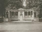 view Richard Morris Hunt Memorial [sculpture] / (photographed by Joseph Hawkes) digital asset number 1