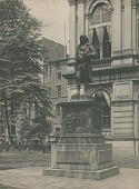 view Benjamin Franklin [sculpture] / (photographed by Halliday Historic Photograph Co.) digital asset number 1
