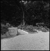 view [Casal dos Gaiatos]: garden entrance and raised beds. digital asset: [Casal dos Gaiatos] [safety film negative]: garden entrance and raised beds.