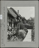 view [Miscellaneous Sites in Stratford-upon-Avon, Warwickshire, England]: Anne Hathaway's Cottage and its garden. digital asset: [Miscellaneous Sites in Stratford-upon-Avon, Warwickshire, England] [photographic print]: Anne Hathaway's Cottage and its garden.