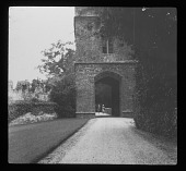 view [Broughton Castle]: the gatehouse. digital asset: [Broughton Castle] [lantern slide]: the gatehouse.