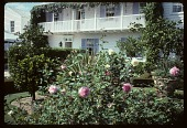 view [Dayton Garden]: formal garden in front of house. digital asset: [Dayton Garden]: formal garden in front of house.: 1996 Mar.