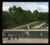 view [Château de Vaux-le-Vicomte]: canal and gardens. digital asset: [Château de Vaux-le-Vicomte]: canal and gardens.: 1936 Jun.