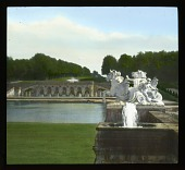 view [Château de Vaux-le-Vicomte]: sculpture, fountains, the canal, and the back colonnade. digital asset: [Château de Vaux-le-Vicomte]: sculpture, fountains, the canal, and the back colonnade.: 1936 Jun.